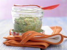 Chinakohl-Brei mit Lachs - Mittagsbrei ab 8. Monat - smarter - Kalorien: 190 Kcal - Zeit: 25 Min. | eatsmarter.de