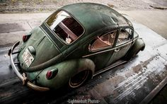 Great shot of this green VW Beetle by Lightninbolt!