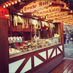 A Weihnachtsmarkt in #Frankfurt, Germany! #adventures #gennglobal #genn #global    Check out our website at http://www.gennglobal.com/!