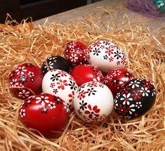 Easter Egg Crafts, Easter Art, Easter Eggs, Egg Shell Art, Easter Egg Pattern, Easter Egg Designs, Egg Art, Diy Crafts For Gifts, Egg Decorating