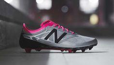 sports shoes 2f874 a1f0e La chaussure de foot New Balance Furon 3.0 s offre un coloris explosif