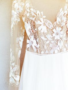 This Bride's Hayley Paige Gown Is To Die For #californiavineyardwedding #sacramentobrides #hayleypaigeweddingdresses
