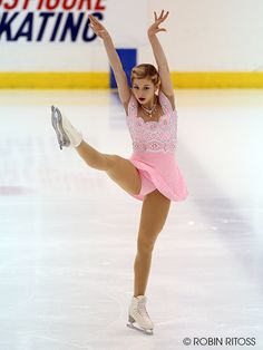 Gracie Gold's #NinjaKick at the 2014 US International FS Classic. I wish we could've seen that dress more than once!