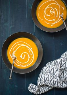 5-Ingredient Roasted Carrot Ginger Soup - Roasting the carrots brings an incredible boost of flavor to this super-simple, scrumptious vegetarian soup. (Vegan/dairy-free option)