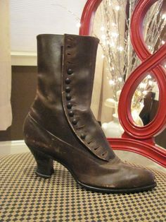 all-leather button boot