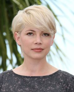 30 Sensational Short Hairstyles For Oval Faces