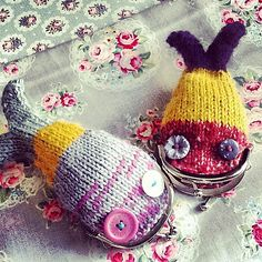 pursey the fish; fish purse - pattern by Claire Dot Garland Pebbles.  this link takes you to a pattern to buy..... however there are free patterns similar to this that I think I will try