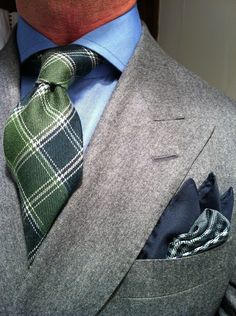 thesnobreport: WIWT MTM Grey Flannel Double Breasted Suit by Heerlijk per La Couleur Blanche, MTM Emanuel Berg Shirt & Green Wool Plaid Tie bly Tom Ford Sharp Dressed Man, Well Dressed Men, Classic Men, Look Fashion, Mens Fashion, Look Formal, Grey Flannel, Men's Wardrobe, Suit And Tie