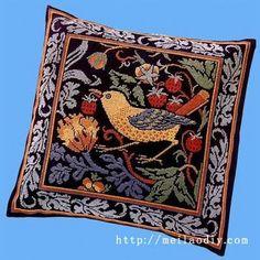 """cosas precioso del corazón: bordado: """"Almohada con las aves"""""""