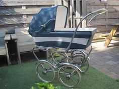 Heel mooie en comfortabele retro Riemersma Kinderwagen