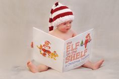 Elf on the Shelf: 32 epic ideas your kids will love! Baby Christmas Photos, Xmas Photos, Christmas Portraits, Christmas Mini Sessions, Holiday Pictures, Babies First Christmas, Kids Christmas, Toddler Christmas Pictures, Xmas Pics