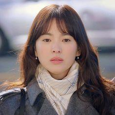 Song Hye Kyo, Song Joong Ki, Desendents Of The Sun, Autumn In My Heart, Sad Anime Quotes, Hallyu Star, The Grandmaster, Descendants, Korean Beauty