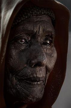 Yong N Yong Hairul Azizi Harun created this beautiful image. The eyes just draw me in, so soulful......