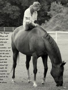 I used to ride my beautiful roan quarterhorse bareback like this and let her eat grass in the front yard. Many wonderful memories! All The Pretty Horses, Beautiful Horses, Animals Beautiful, Horse And Human, Horse Quotes, Horse Love, Horse Girl, Man With Horse, Jolie Photo