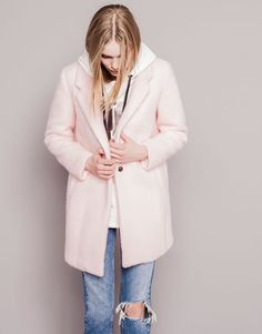 The most alternative look with coats and jackets for women at PULL&BEAR. Checked blazers, faux fur or quilted jackets, bombers and camel coats for Pull & Bear, Boyfriend Coat, Still Waiting For You, Brown Fashion, Pink Brown, Style Me, Give It To Me, Jackets, Traditional