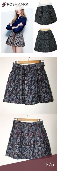 "BNWT Antik Batik textured embroidered mini skirt M This skirt style is called ""Bogart"". Pictures do not do this skirt justice. Gorgeous colors and pattern. Brand new with tags, never worn. Completely lined. 100% cotton. Side zipper and button closure. Approx 29"" waist, 17"" length. ✅offers❌trades/PP 💰make an offer on bundles Antik Batik Skirts Mini"