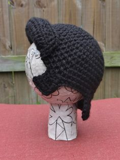 Elvis Wig Hat baby size 6-12 months por StrungOutFiberArts en Etsy Crochet Kids Hats, Crochet For Boys, Cute Crochet, Crochet Crafts, Crochet Yarn, Hand Crochet, Crochet Toys, Crochet Projects, Crocheted Hats