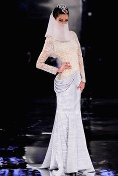 Ne Tiger Haute Couture &&&&&......http://es.pinterest.com/stjamesinfirm/ancient-cultures-asia-kimono-hanfu-cheongsam-qipao/ ()()()()()()()....MIR.