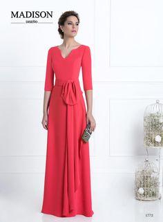 vestido de fiesta largo color coral