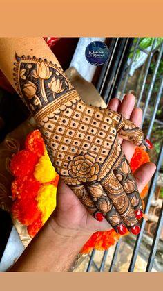 Henna Tattoo Designs Simple, Back Hand Mehndi Designs, Mehndi Designs Book, Latest Bridal Mehndi Designs, Stylish Mehndi Designs, Mehndi Designs 2018, Mehndi Designs For Girls, Mehndi Design Photos, Wedding Mehndi Designs