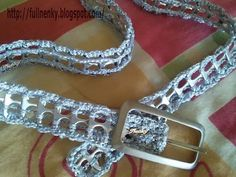 This would make a lovely furbaby collar! Soda Tab Crafts, Can Tab Crafts, Hobbies And Crafts, Crochet Crafts, Bead Crafts, Jewelry Crafts, Handmade Jewelry, Pop Top Crochet, Pop Can Tabs