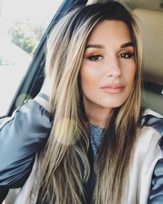 Beautiful Long Hair, Gorgeous Hair, Jesse James Decker Hair, Jessica James Decker, Great Hair, Hair Dos, Balayage Hair, Hair Inspiration, Hair Inspo