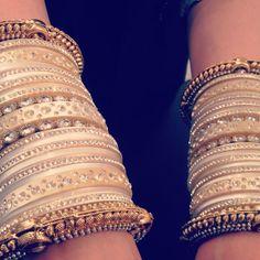 Best Wedding Accessories in India Fashion Bracelets, Fashion Necklace, Fashion Jewelry, Women Jewelry, Bridal Accessories, Wedding Jewelry, Bridal Chura, India Wedding, Indian Jewelry
