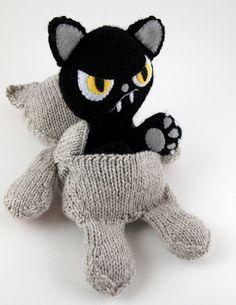 Good Kitty/ Bad Kitty reversible friend. Knitting Pattern and tutorial 6.00.  OH. MY. GODS!  I can't wait to make this!