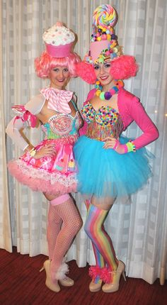 Candy Girls from Nelly's Ball. - Candy Girls from Nelly's Ball. Candy Land Costumes, Girl Costumes, Costumes For Women, Costume Halloween, Fete Halloween, Women Halloween, Halloween Makeup, Candy Girls, Costume Bonbon