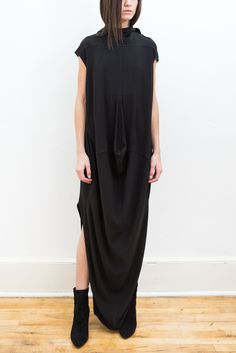 Oversized, long waterfall tunic top with a low-high hemline. Features a funnel neck and and cap sleeves. - Dry Clean Only. Wearing All Black, Future Fashion, Dark Fashion, Rick Owens, Alexander Mcqueen, Beautiful Outfits, Women Wear, Style Inspiration, Funnel Neck