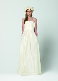 The FashionBrides is the largest online directory dedicated to bridal designers and wedding gowns. Find the gown you always dreamed for a fairy tale wedding. Max Mara Bridal, Bridal Dresses, Wedding Gowns, Bridal Collection, One Shoulder Wedding Dress, My Style, Blog, Fashion, Dress Collection