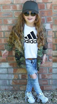 I am going to make my little daughter wear this style.What about you?A fashion idea for your little one.