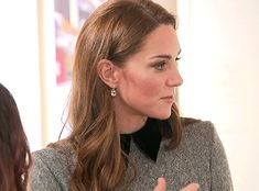 PrincessKate — catherinemiddletons: The Duchess of Cambridge,... Kate Middleton Makeup, Kate Middleton Style, William Kate, Prince William, Royal Style, Moving Pictures, Princess Charlotte, Duchess Kate, Blow Dry