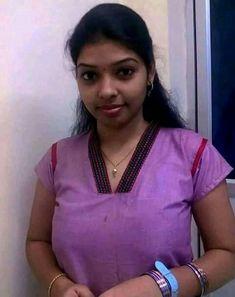 Beautiful Girl Indian, Beautiful Girl Image, Beautiful Eyes, College Girl Photo, Tamil Girls, Indian Girls Images, Indian Jewellery Design, Cute Girl Photo, Cute Beauty
