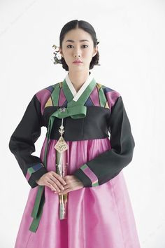 Beautiful, elegant with its own National Flavour. Posted by Sifu Derek Frearson Korean Traditional Dress, Traditional Fashion, Traditional Looks, Traditional Dresses, Korean Hanbok, Korean Dress, Korean Outfits, Korean Clothes, Korean Beauty