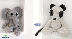 Bom dia! Neste final de semana compartilhamos aqui com vocês uma dica para presentear no próximo Dia dos Namorados! Estamos fala... Snoopy, Character, Sock Crafts, Crochet Animal Patterns, Knitted Dolls, Crochet Bear, How To Make Doll, Crocheted Toys, Patterns