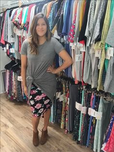 Don't like the shoes with this but otherwise this is cute and simple Lula Outfits, Casual Outfits, Work Outfits, Skirt Outfits, Dress Skirt, Lularoe Carly Dress, Lularoe Dresses, Lularoe Cassie, Modest Fashion