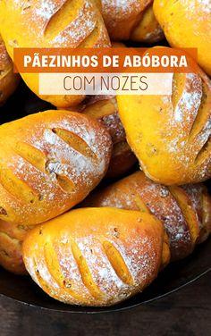Pãezinhos de abóbora com nozes | Mel e Pimenta Brazilian Bread, Good Food, Yummy Food, Pasta, Beignets, Baked Potato, Bread Recipes, Sandwiches, Bakery