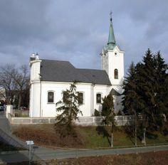 Había una iglesia en el Radotín. Era muy bonita y vieja.