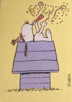 Peanuts – snoopy party Source by lgrametbaur Happy Birthday Quotes For Friends, Birthday Card Sayings, Happy Birthday Funny, Funny Birthday Cards, Friend Birthday, Funny Happy, Birthday Greetings, Happy Birthday Disney, Snoopy Feliz