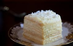 Kokosinis vaflių tortas su maskarpone Vanilla Cake, Rolls, Desserts, Food, Food Cakes, Tailgate Desserts, Meal, Bread Rolls, Dessert