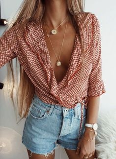 Boho Chic Outfit Ideas | Top 10 Must-Have Items for a Bohemian Chic Wardrobe | Read The Blog