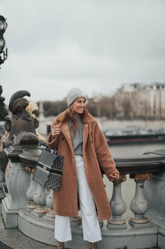 Many times you write to ask me for ideas for very warm looks. Ootd Winter, Cute Winter Outfits, Winter Hats, Winter Looks, Fall Looks, Dior, Big Kiss, Zara, Say My Name