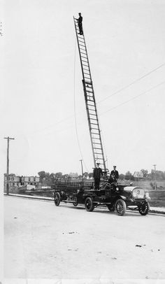 Check out this Mack Senior Series 3-ton hook and ladder truck delivered to the Felton, NY Fire Department back in 1914.