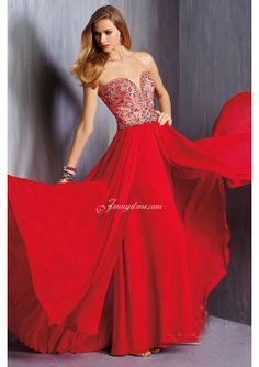 Red Chiffon Sweetheart Long Prom Gown With Beading