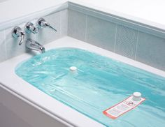 waterBOB Emergency Bathtub Drinking Water Storage - Okay, not really a gift for me but smart and I didn't really know where else to pin it.
