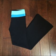 Lululemon Athletica Reversible Groove Pants Lululemon Athletica Reversible Groove Pants Color: Turquoise & Blue | Black Size: 8 Regular  Material: 86% Nylon | 14% Lycra  In very good condition, these will be so comfortable to wear around the house or to workout in  Open to offers | No Trades lululemon athletica Pants