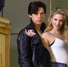 Riverdale ❤️ Cole Sprouse and Lili Reinhart (Jughead Jones and Betty Cooper  Bughead)