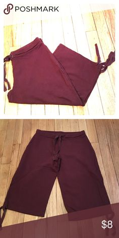 """Loft lounge or worn out shirt/capris! Ties to tighten waist and at end of shorts/capris. 22"""" from waist to bottom of leg. Great condition. LOFT Pants"""