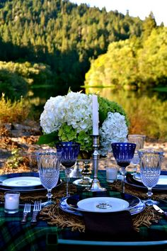 Beaux Mondes Designs: Brunch For A Family Of 3 On The River. Obsessed with the Ralph Lauren plates! ❤❤ (PDD)